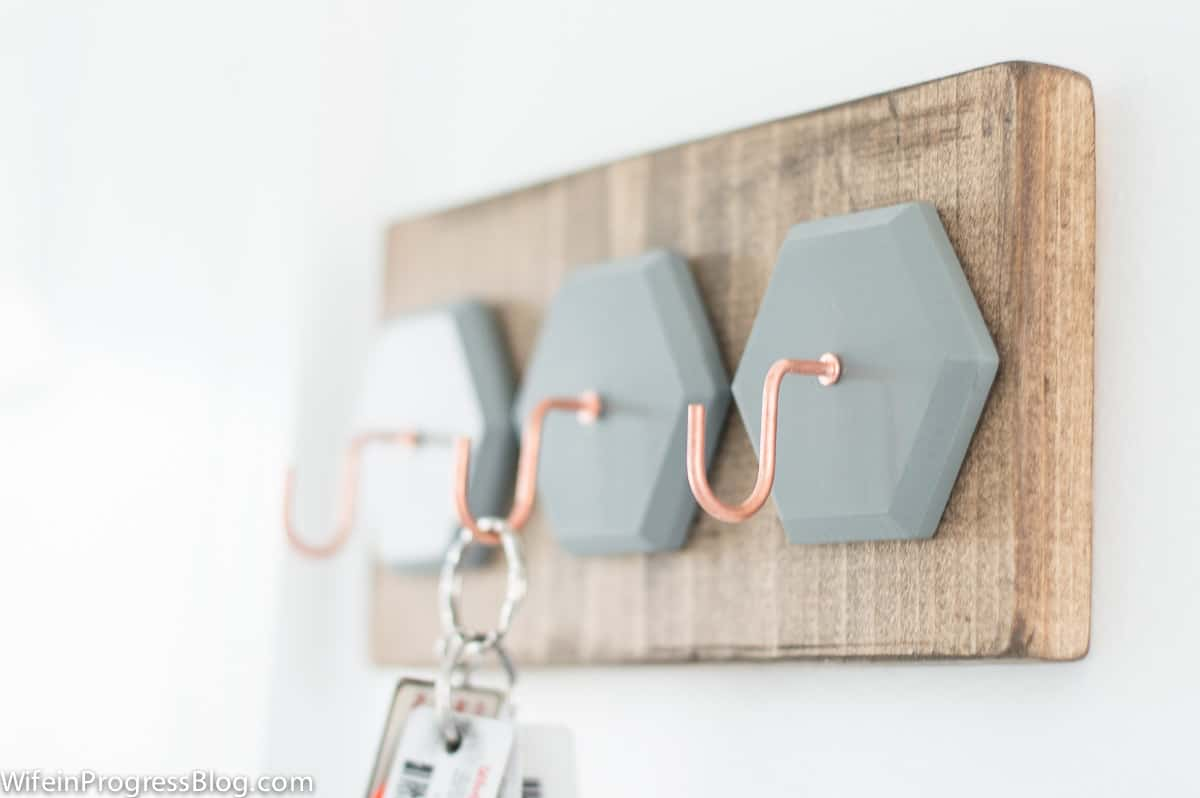 DIY key holder | a quick project to restore your sanity and get you organized!