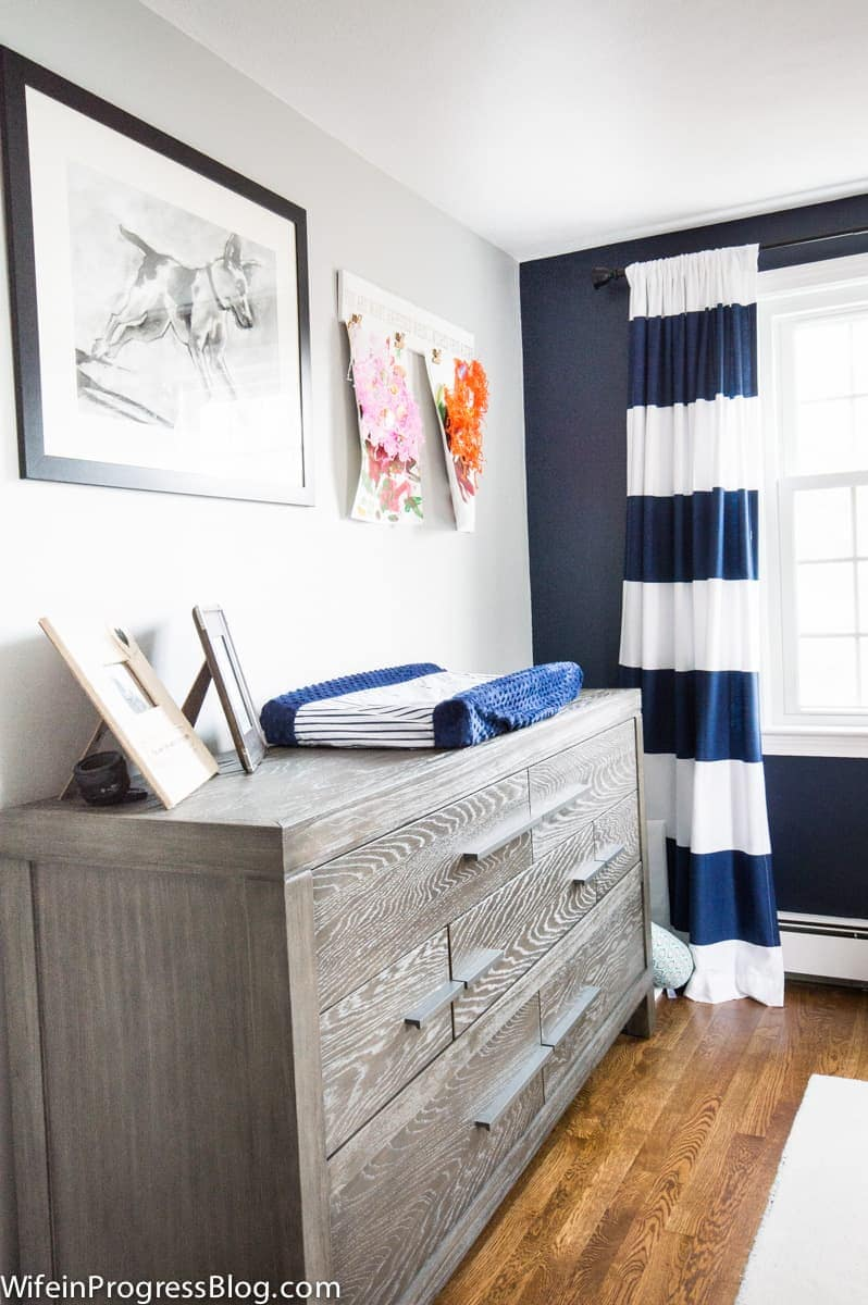 Accent wall Naval Sherwin Williams