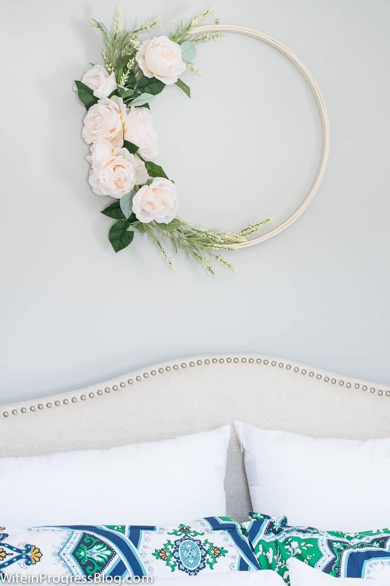 DIY embroidery hoop wreath | DIY wreaths | spring wreath ideas |