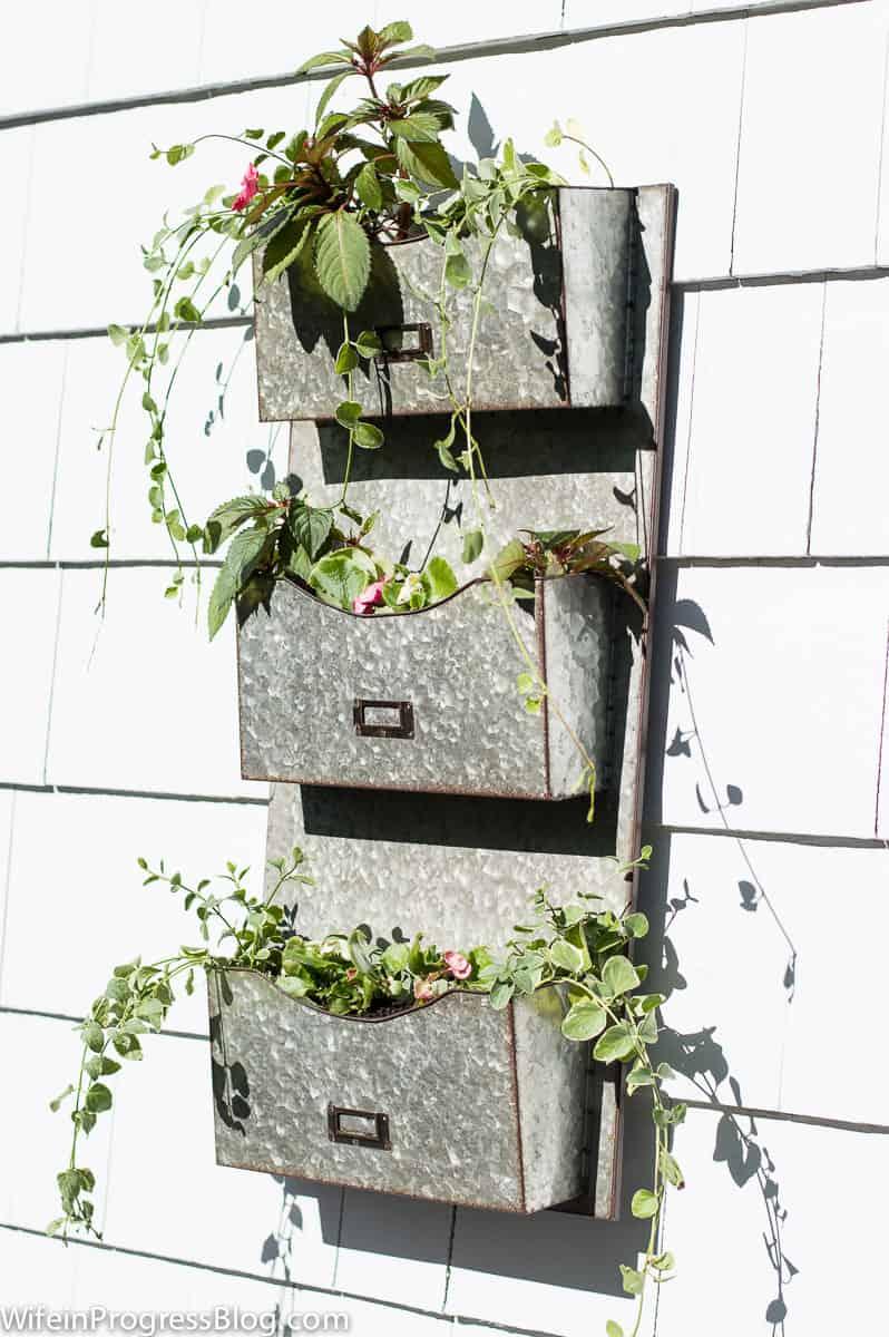 Pretty farmhouse style planter, unique planter idea