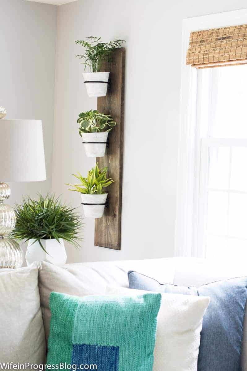 An easy DIY project to add farmhouse charm to your home!