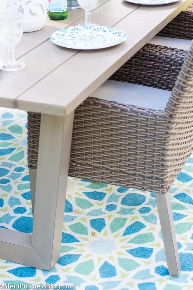 simple ideas for decorating a patio