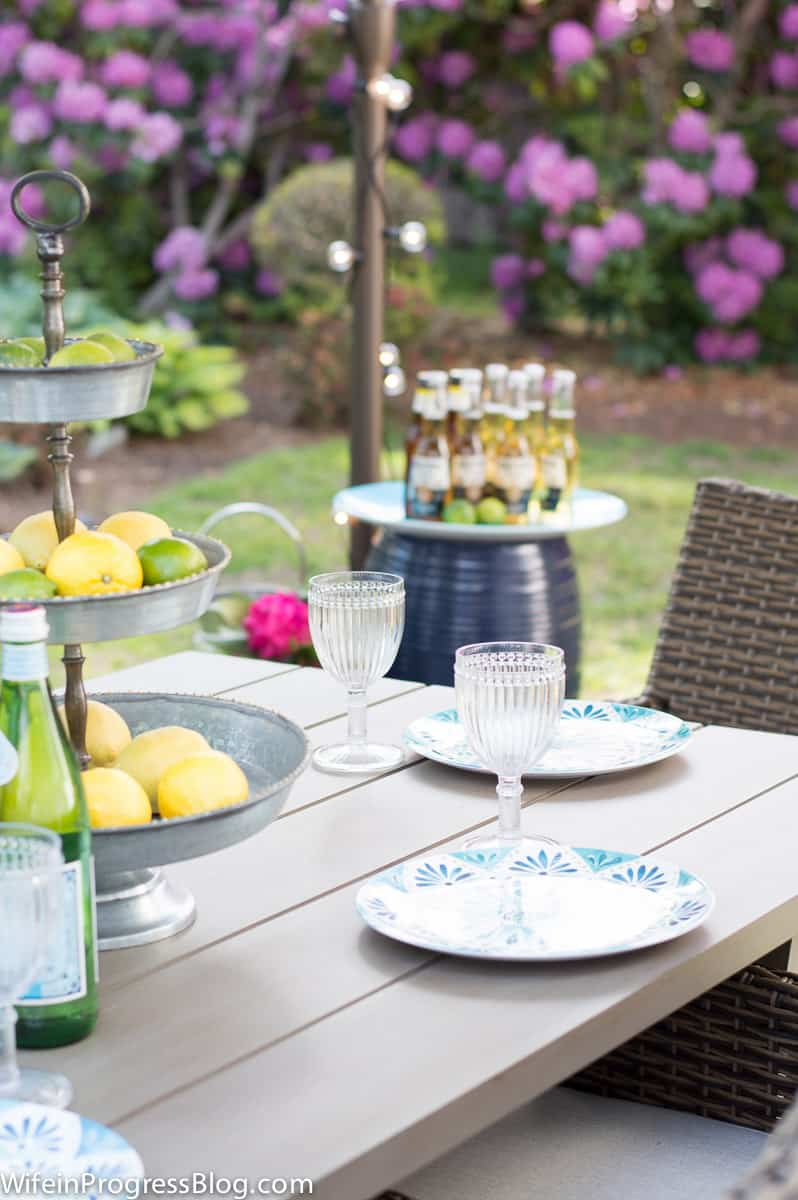 summer gathering table decor