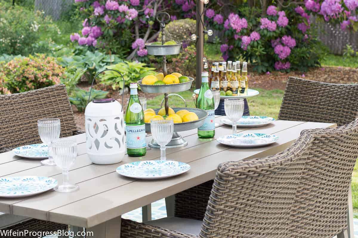 nice idea for a summer gathering | patio decor