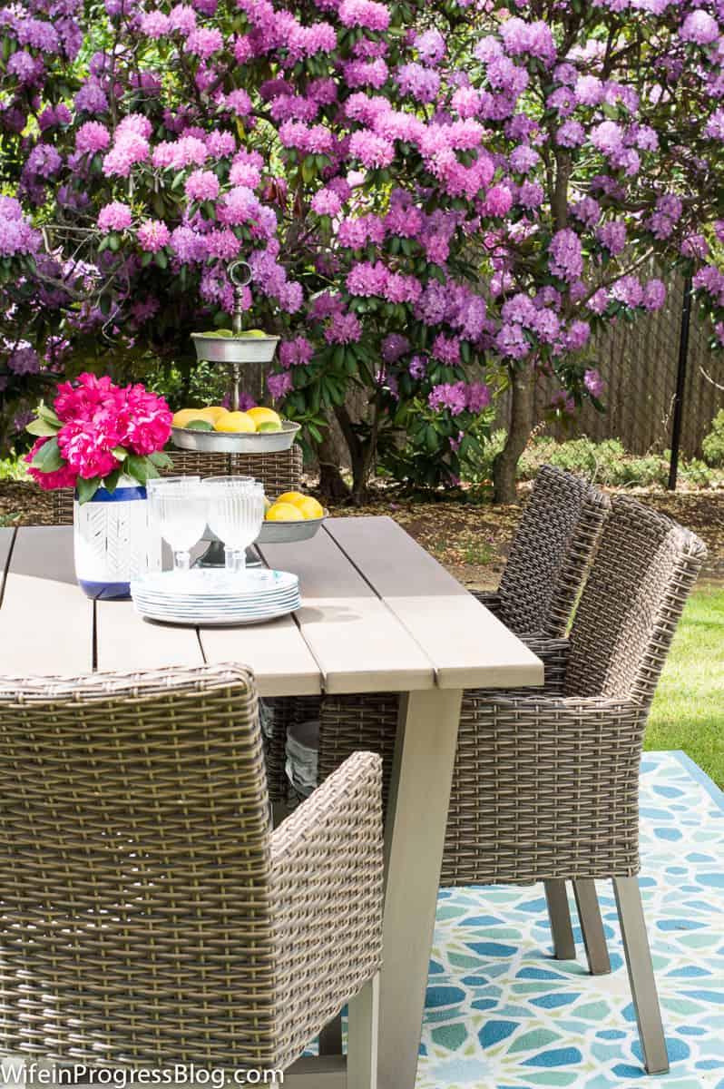 How to decorate a patio area | patio decor