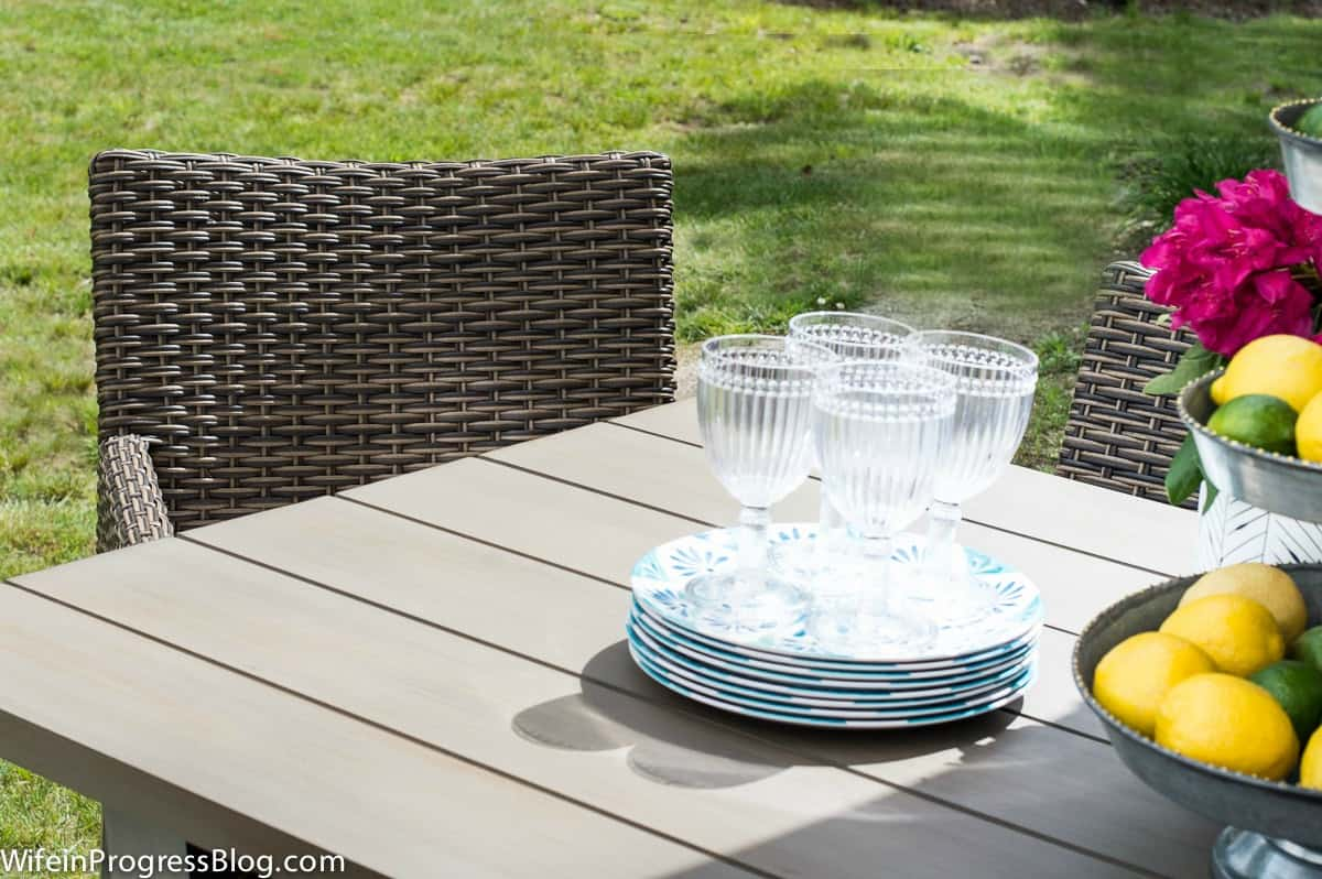 simple outdoor decor