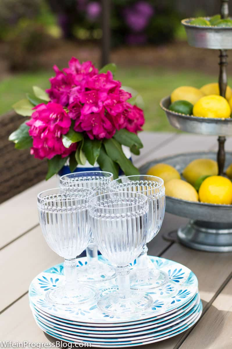 easy summer entertaining tips and decor