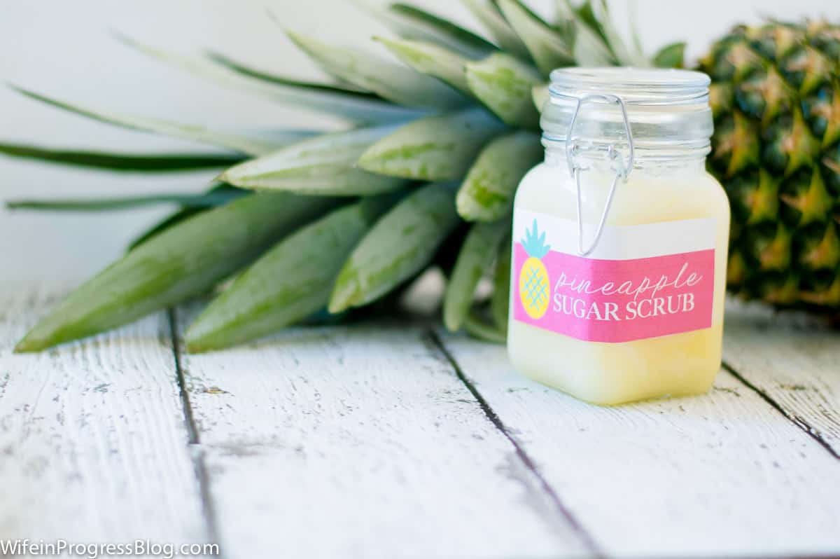 summer hostess gift | DIY pineapple sugar scrub