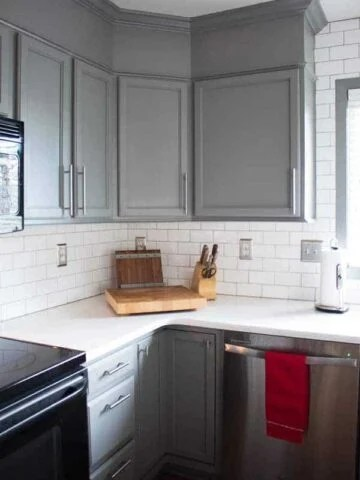 The Best Paint for Kitchen Cabinets - Benjamin Moore Advance Waterborne Alkyd Paint