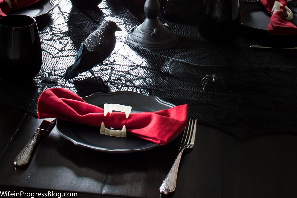 Vampire teeth napkin rings - Halloween tablescape