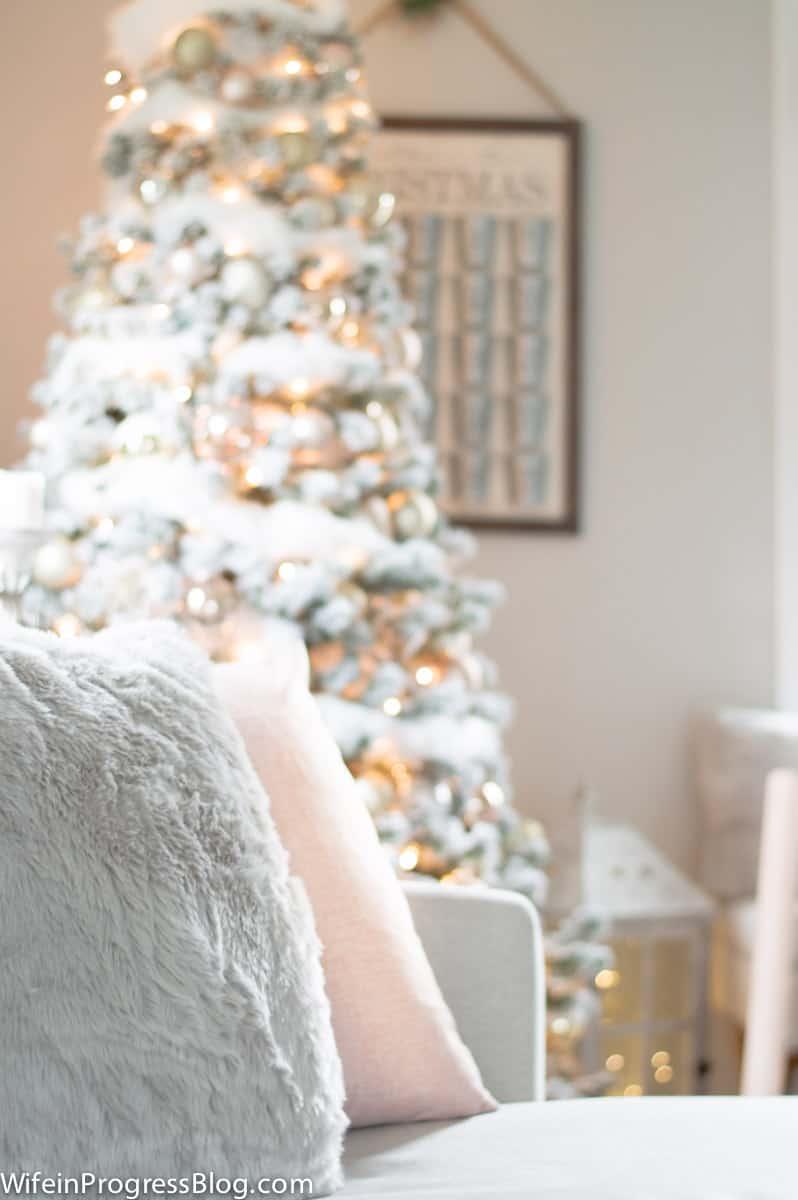 Romantic Christmas decor