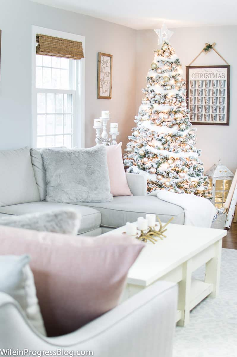 Decorating with blush pink and champagne gold for Christmas