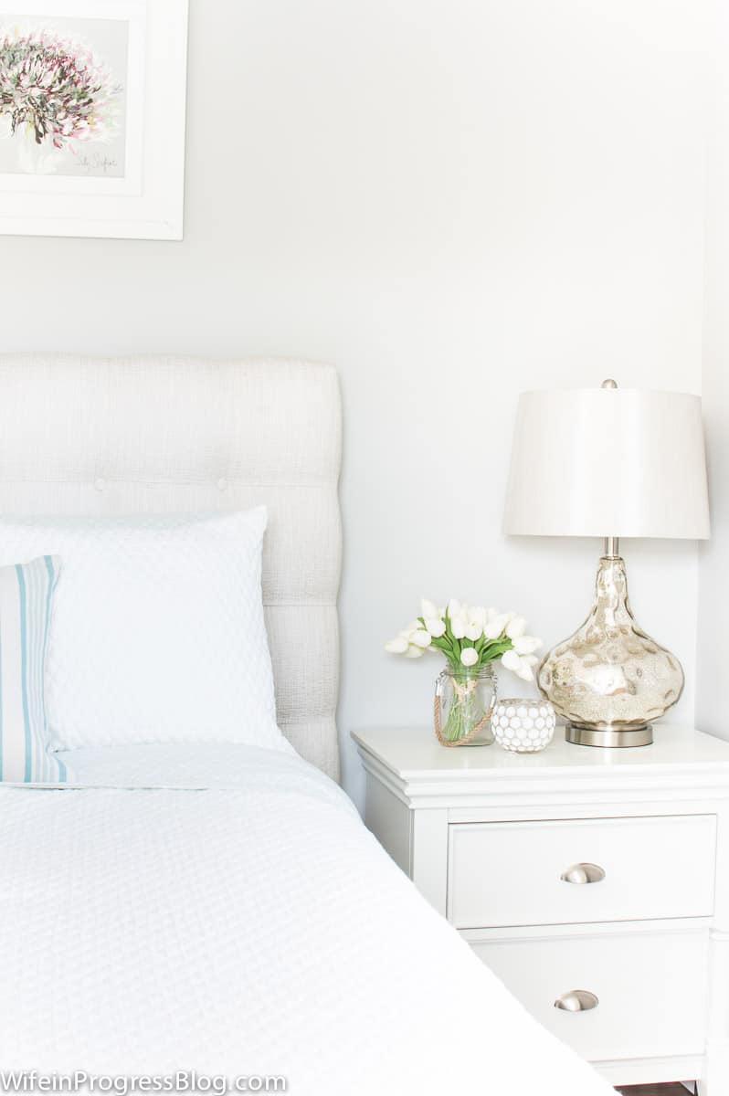 How to create a beautiful guest bedroom so that your guests won't want to leave!