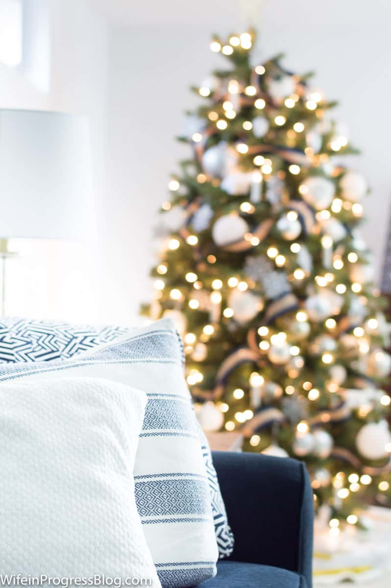 Coastal inspired Christmas decorating ideas for the home