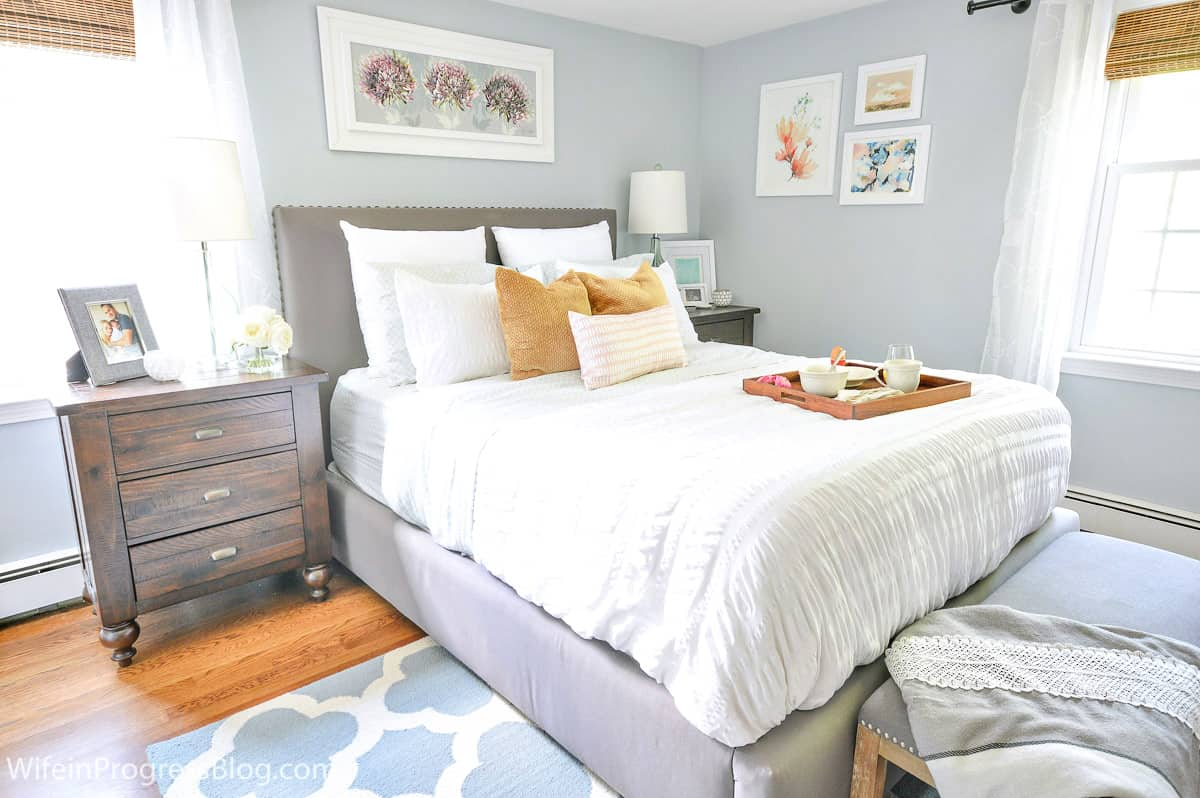 behr light french gray bedroom walls