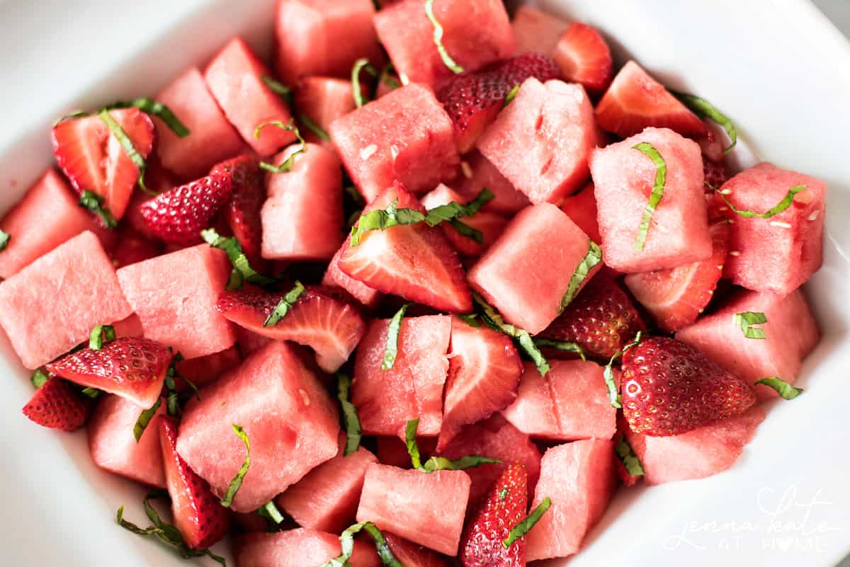 The most refreshing summer salad with fruit