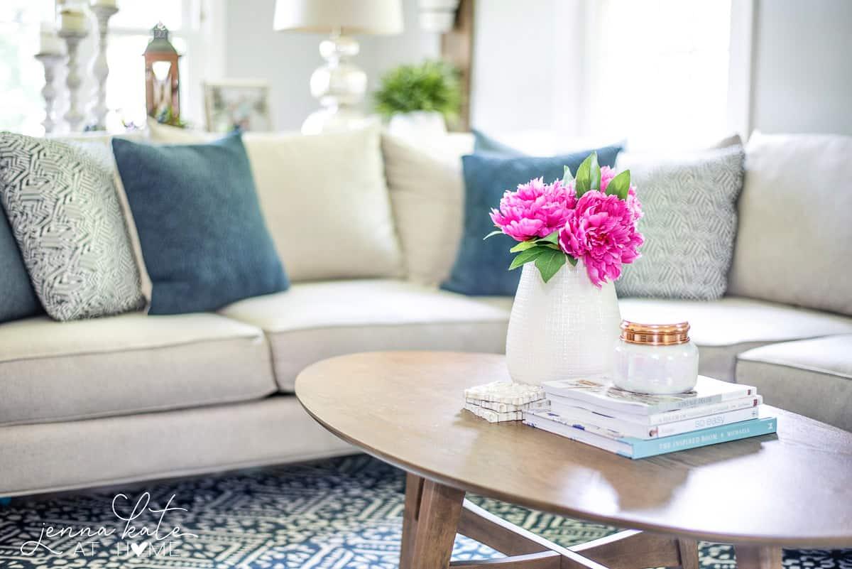Coastal living room decorating ideas