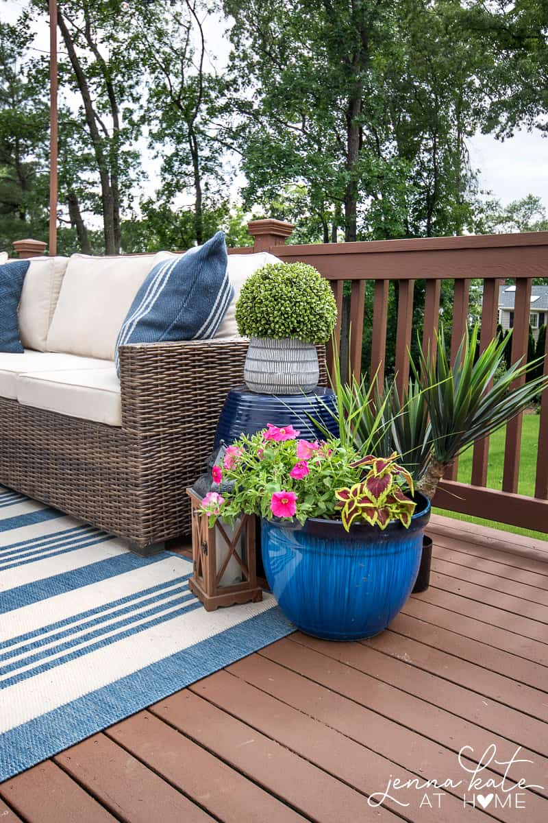The deck, now dry, and with furniture/accessories added (blues/browns)