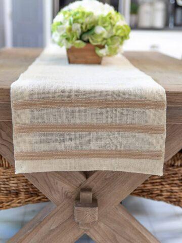 no sew DIY burlap table runner