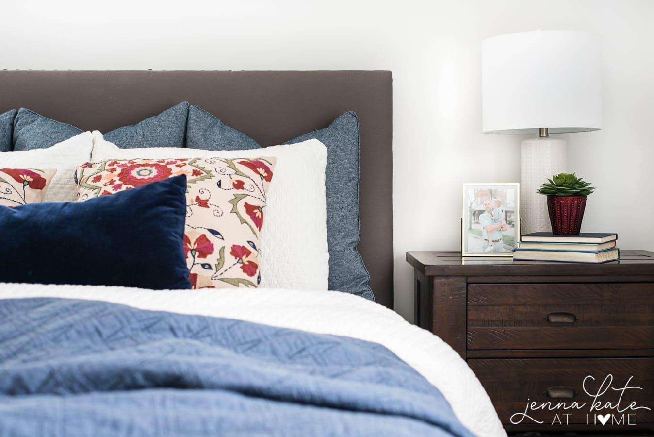 Easy Fall Bedroom Decor