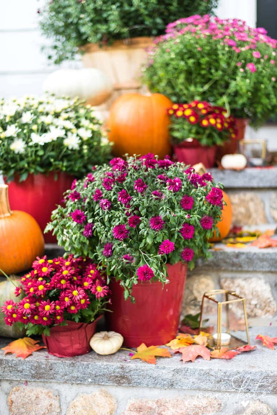 Fall front porch decorating ideas that are simple and inexpensive