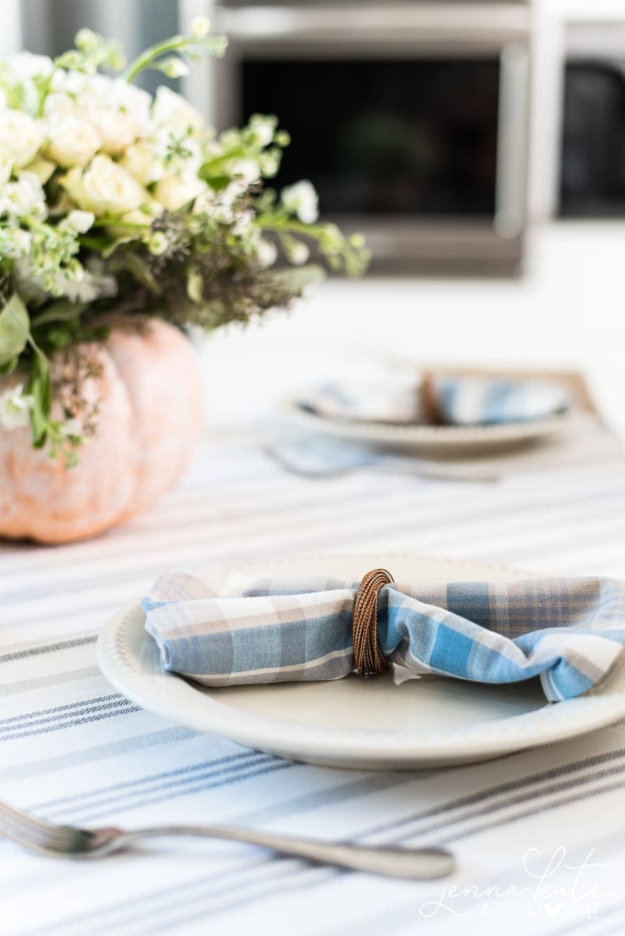 switching up your napkins is an easy way to transition to fall decor