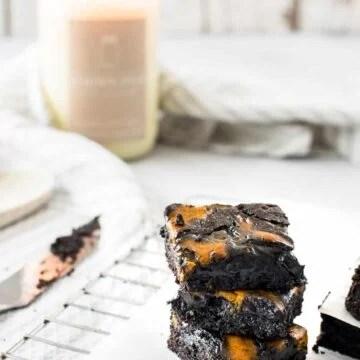 The best pumpkin swirl brownies for fall