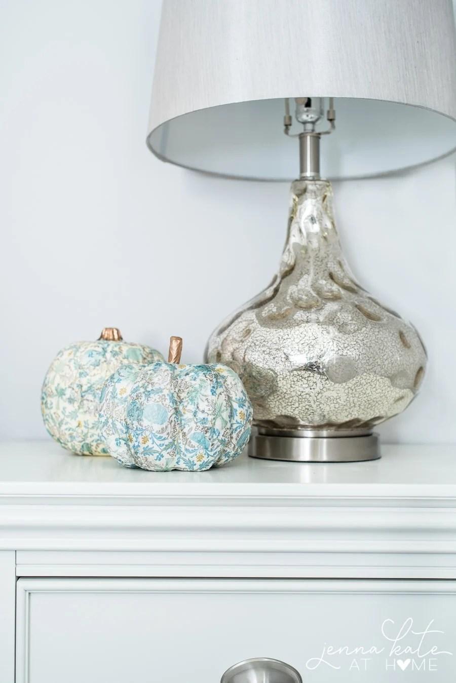 Vintage inspired DIY craft pumpkin tutorial
