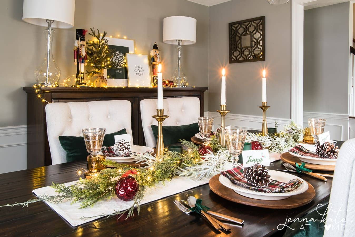 An elegant take on a traditional Christmas table setting