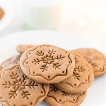 The best soft roll out gingerbread cookie recipe that's made with molasses