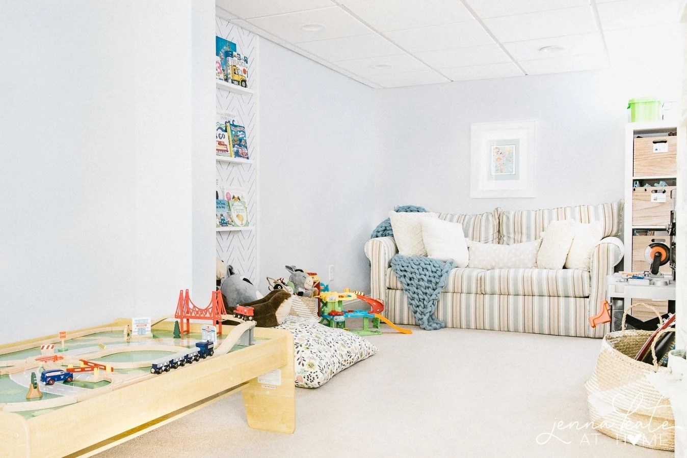 How to set up a playroom for toddlers that's organized and free of clutter