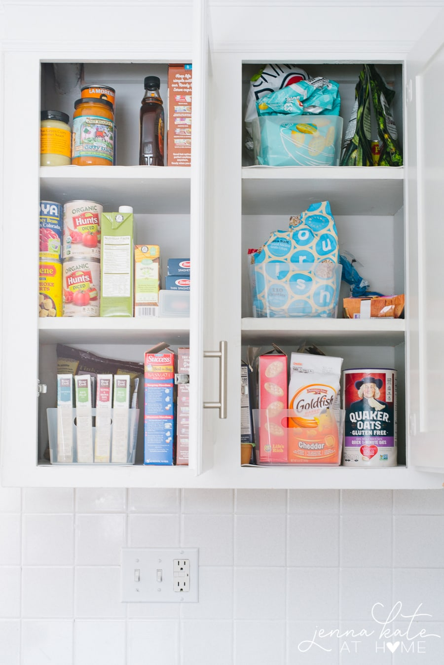 How to organize kitchen pantry or kitchen cupboards