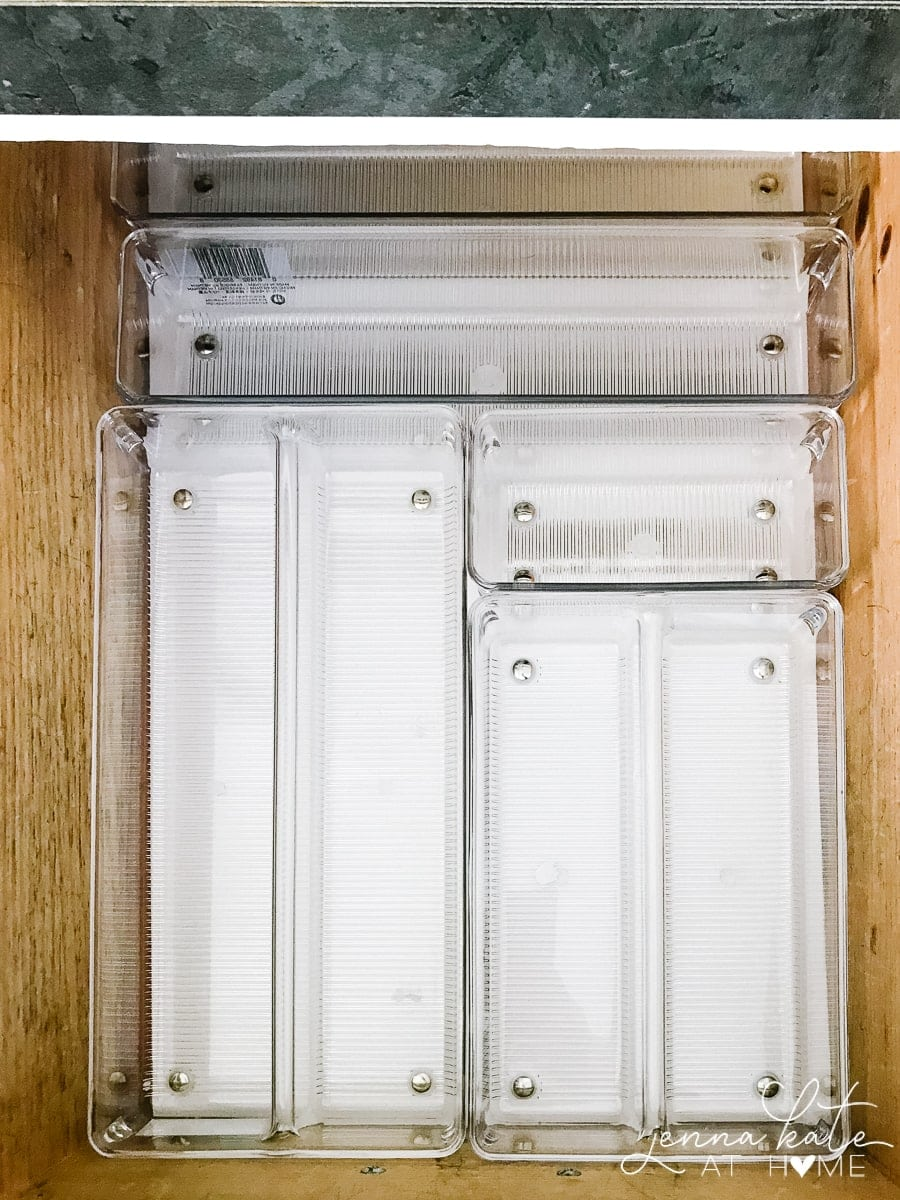 Customizable drawer organizers to make the most of your kitchen drawers