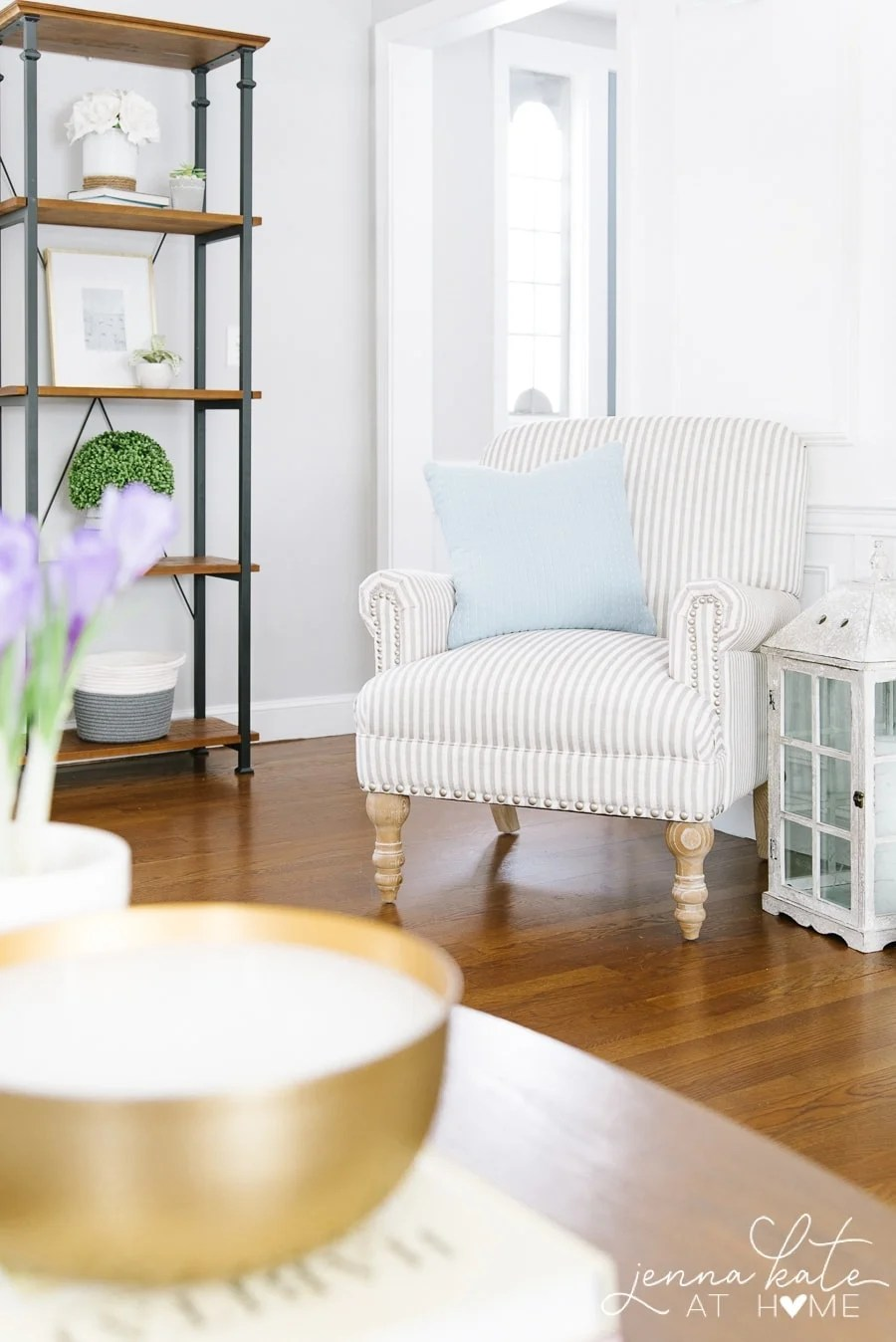 Spring decorating ideas for the living room