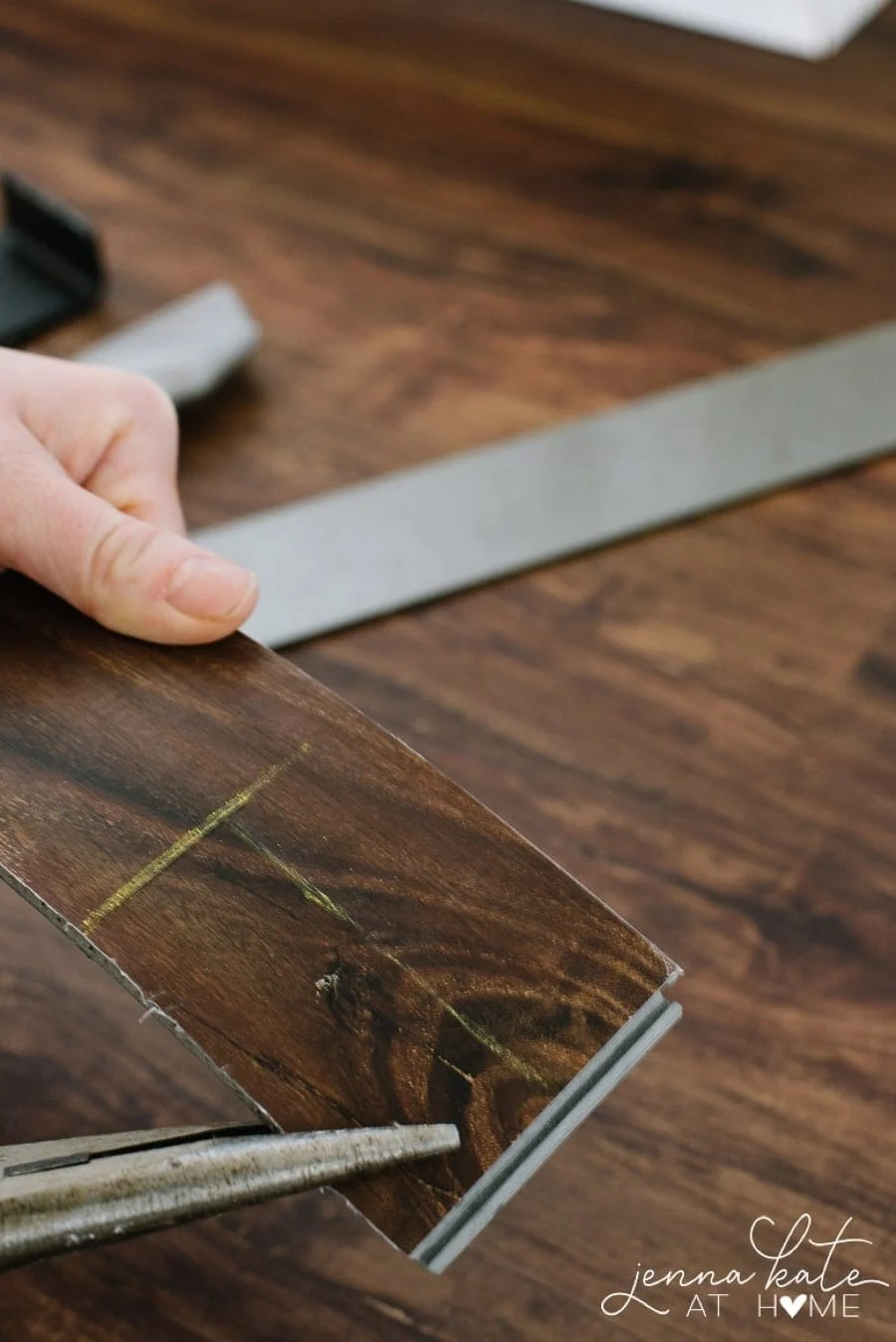 Cutting awkard measurements from the LVP flooring