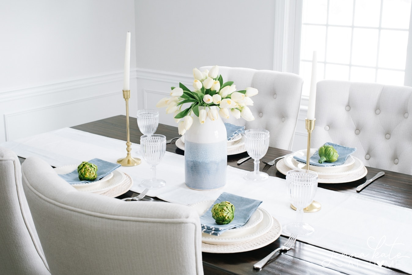 Simple and beautiful spring tablescape ideas