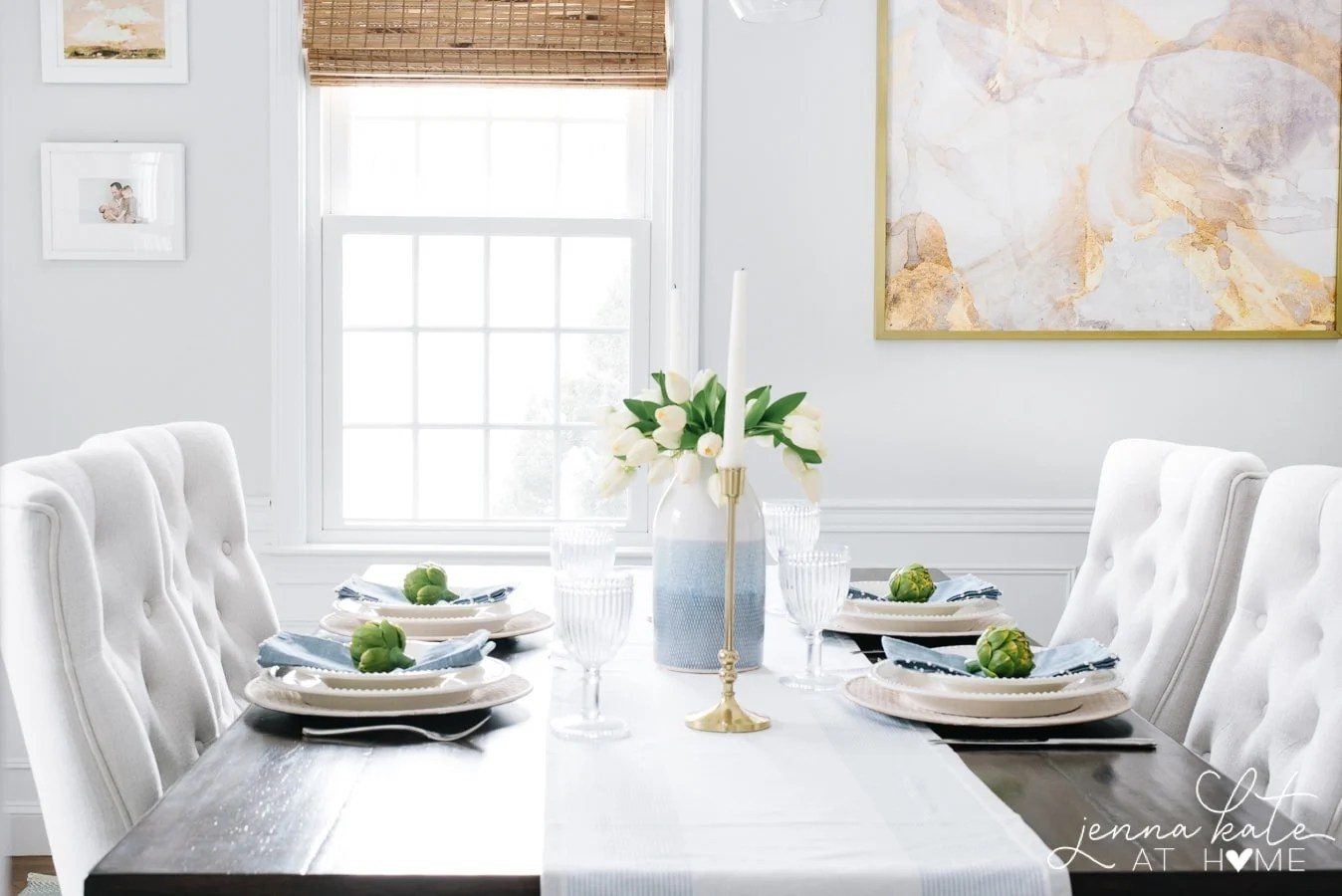 How to simply decorate a table for spring