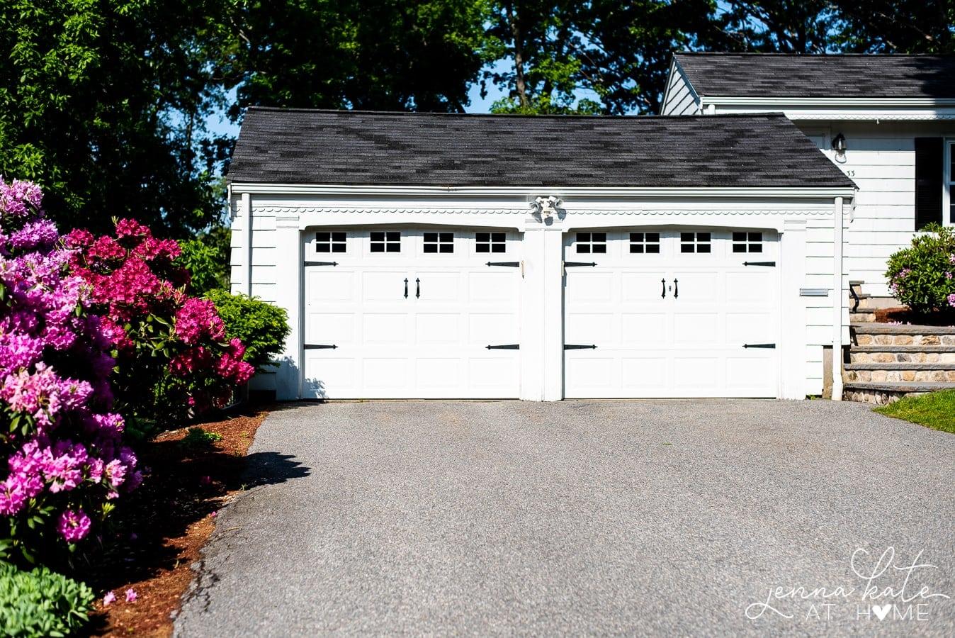 easy garage door makeover with magnetic hardware