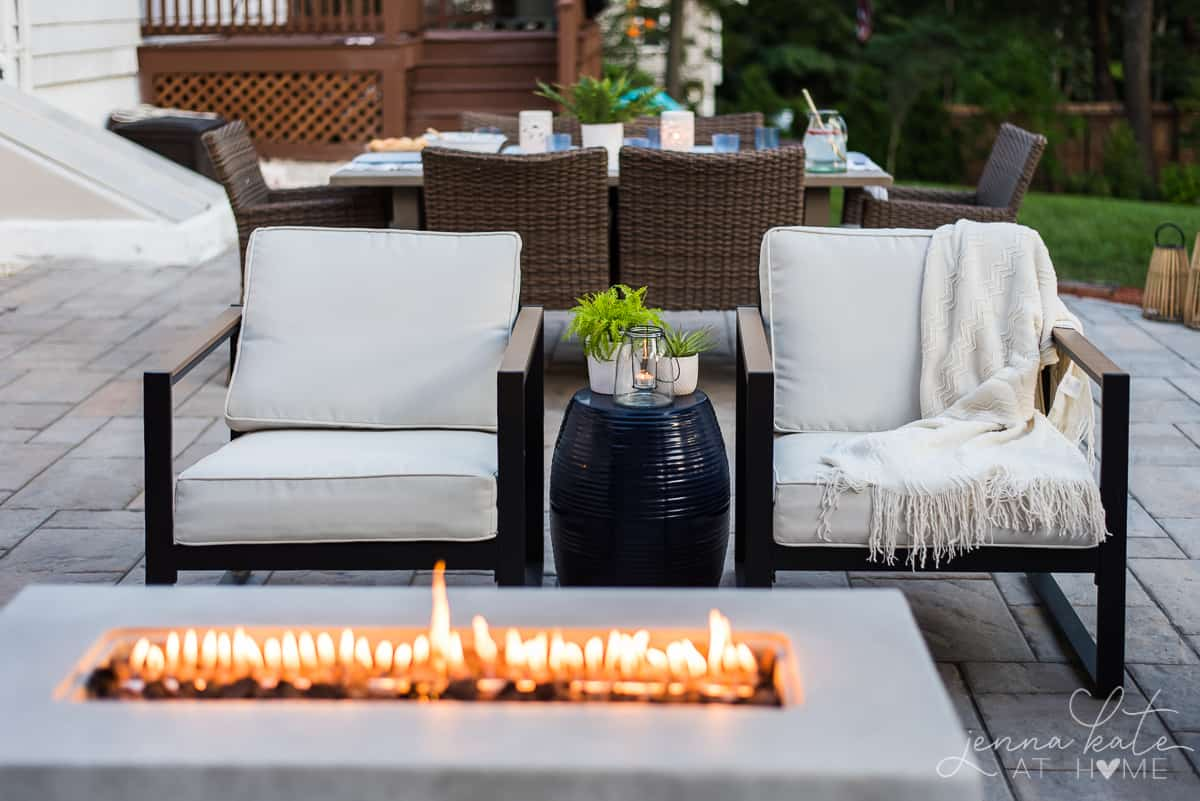 Gather around our modern firepit and cuddle up in this comfortable, affordable outdoor patio furniture