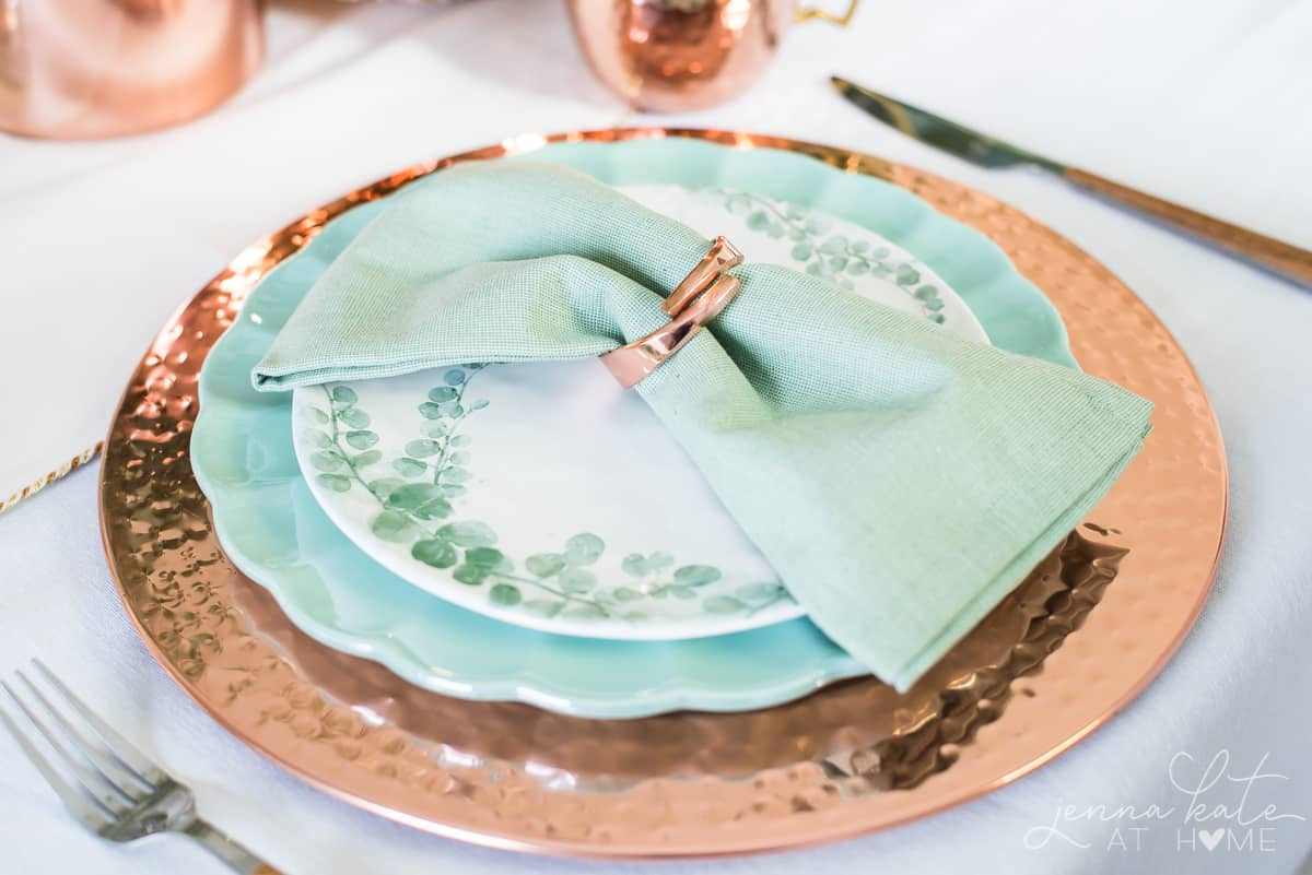 2019 dining room table decor