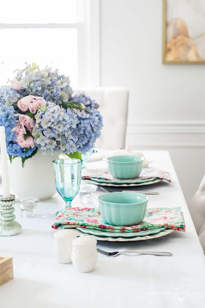 Fresh pink and blue hydrangeas add the perfect pastel touch to this Spring tablescape