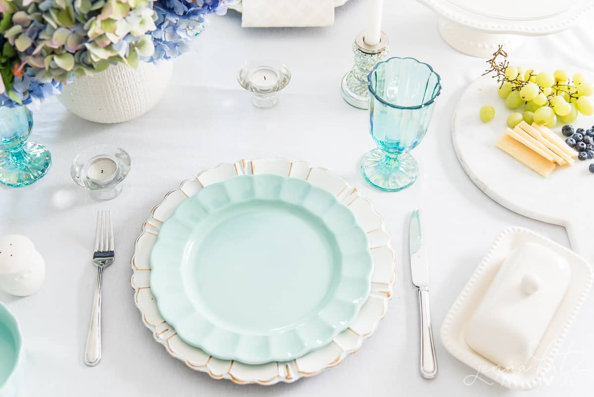 These beautifully detailed seafoam green dinnerplates are from the affordable Pioneer Woman line at Walmart