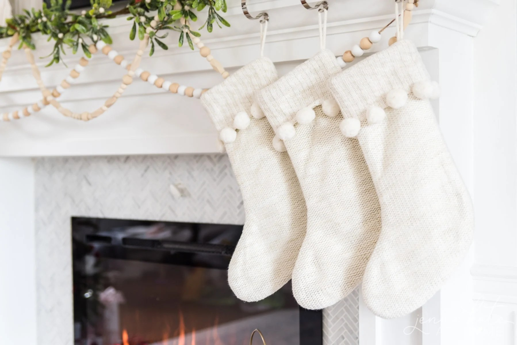 Christmas mantel decorating ideas 2019