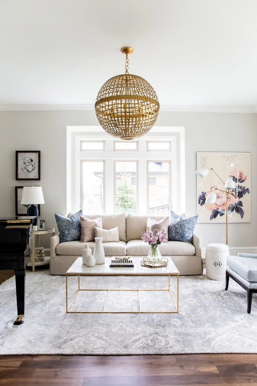 Benjamin Moore Classic Gray living room:Tthe 10 best greige paint colors