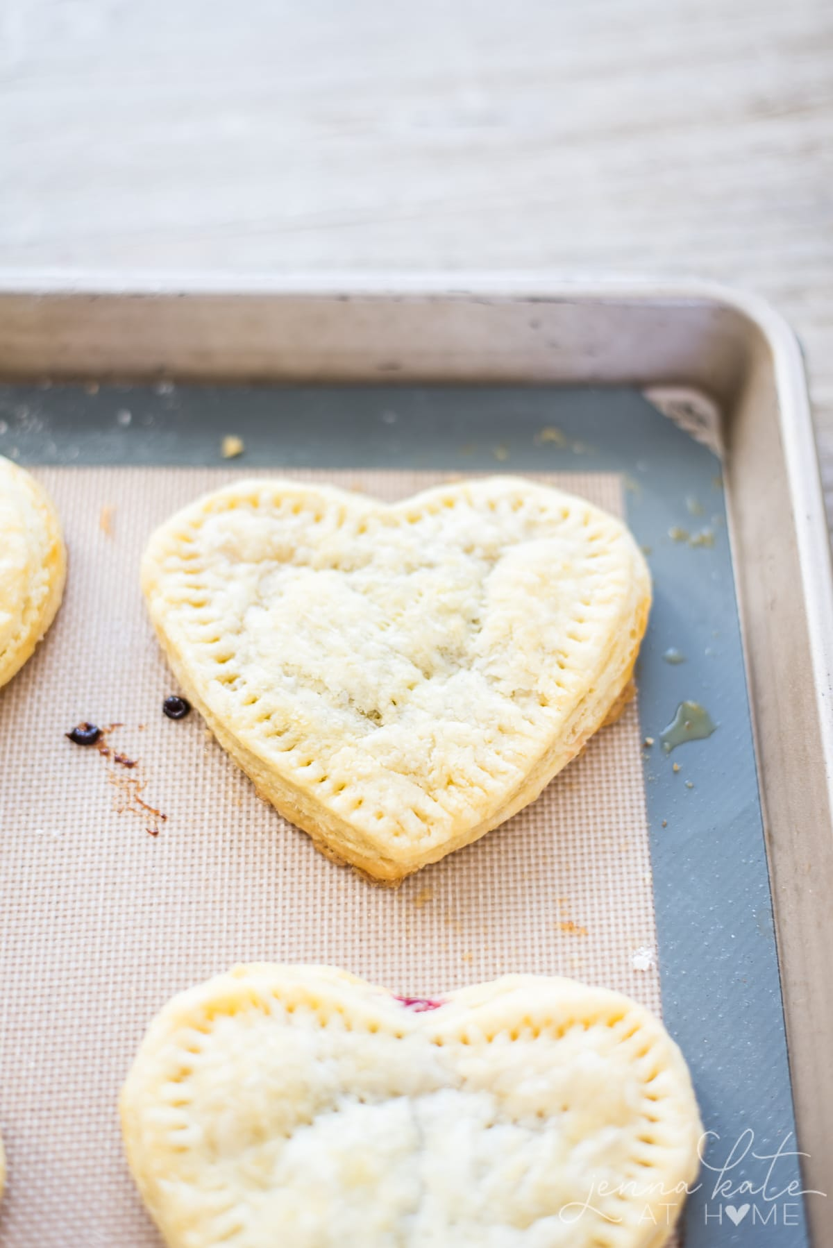 Easy recipe for puff pastry pie dough for homemade pop tarts