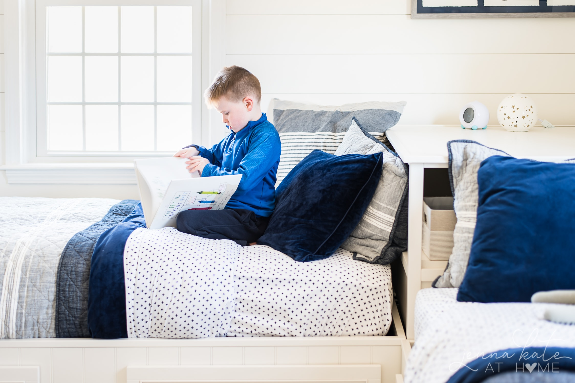 boy bedding, decor and design ideas for big kid bedroom