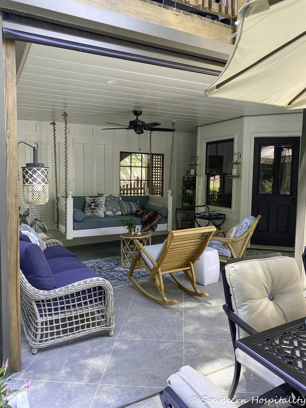 Back porch that opens out into patio