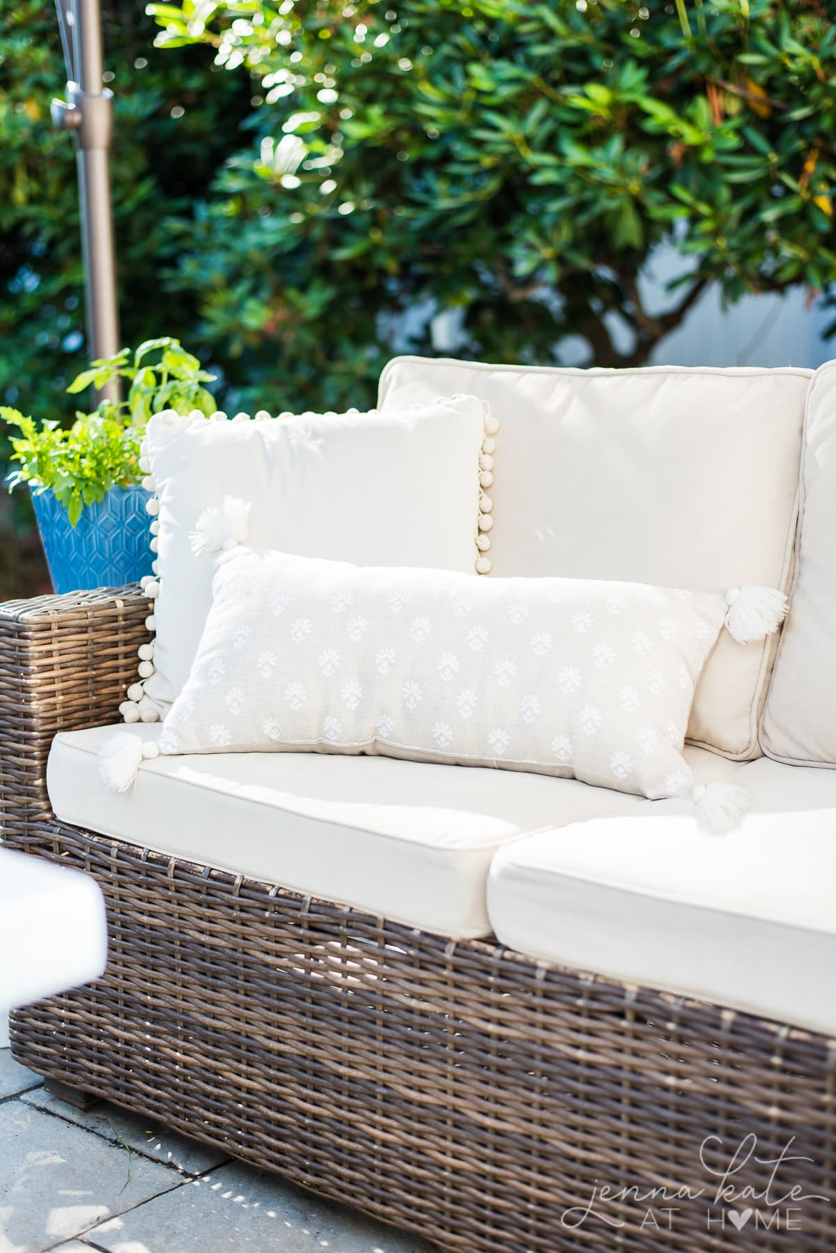 Outdoor cushions look brand new after being cleaned