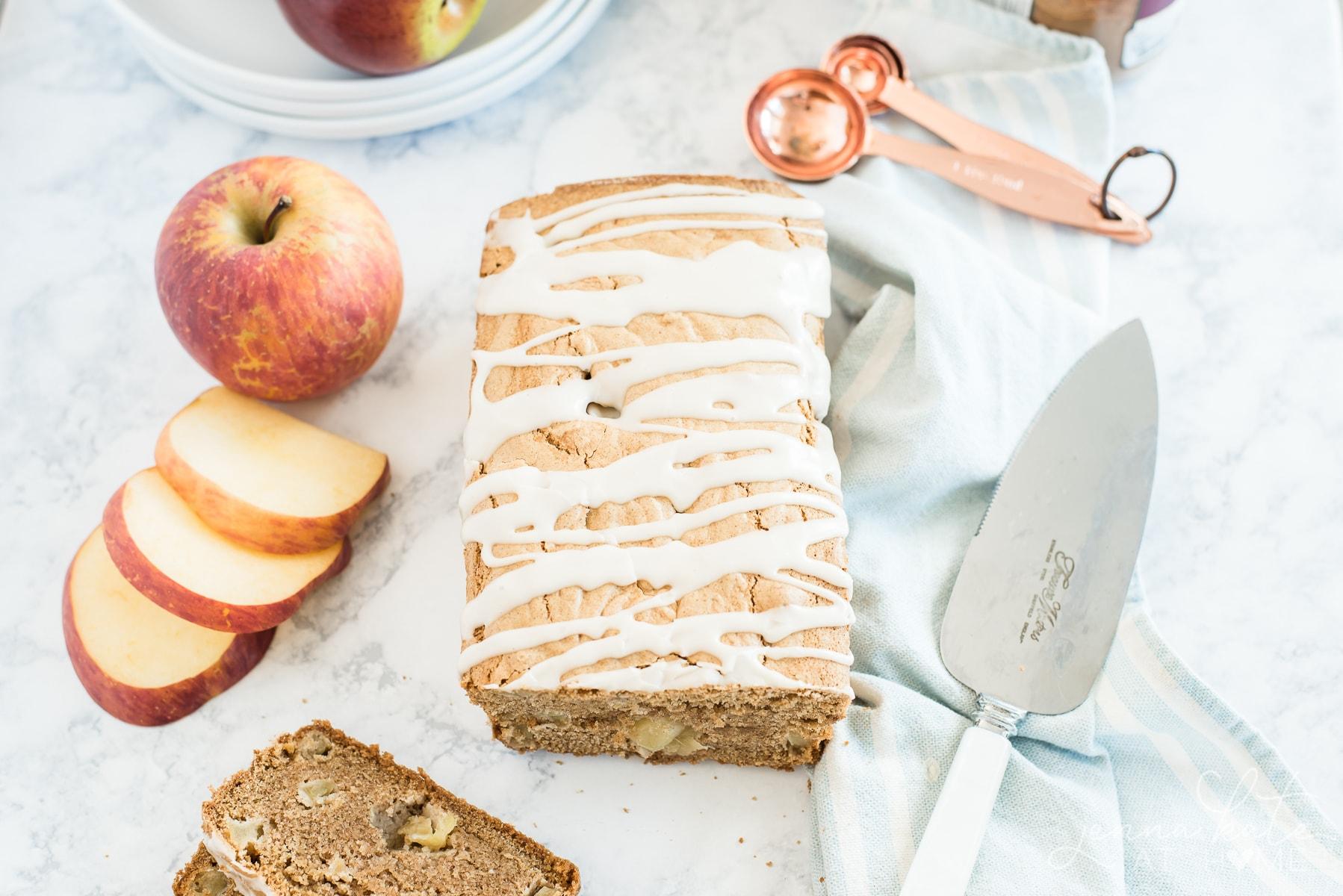Quick cinnamon apple bread recipe