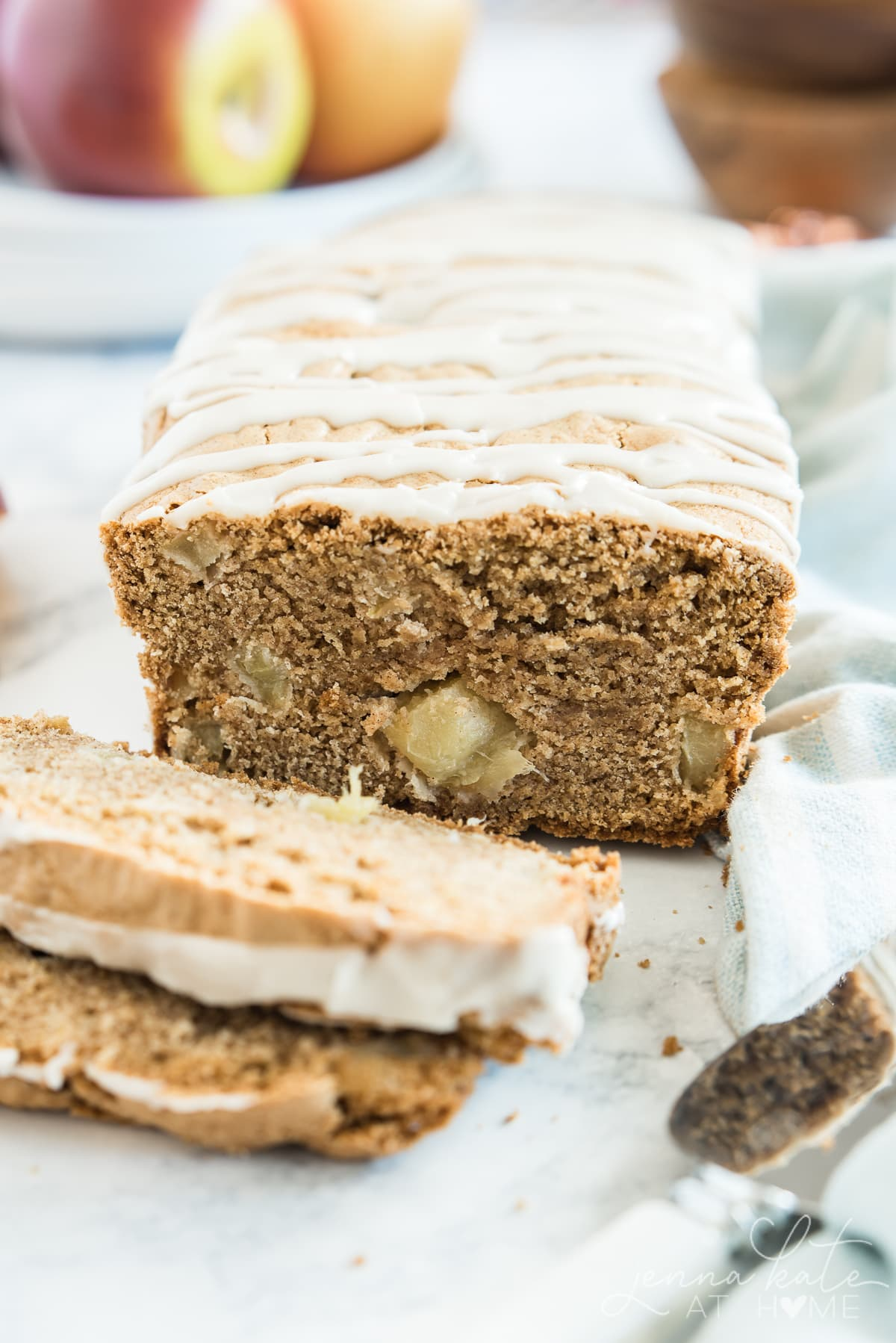 How to make an apple loaf